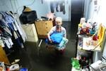 Vượt đỉnh triều lịch sử: Người Sài Gòn tiếp tục méo mặt vì ngập lụt