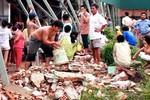 Hà Nội: Gió to đổ tường làm 1 người chết, 3 người bị thương