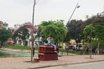Hà Nội: Thanh niên vác quan tài và 20 lít xăng ra phố đòi tự thiêu