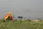Lại phát hiện thi thể nổi trên sông Hồng