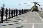 Ảnh: Tàu sân bay HMS Illustrious của Anh cập cảng Livepool