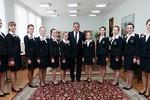 Video: Bộ trưởng QP Nga đến chúc mừng học sinh của Nhà khách BQP