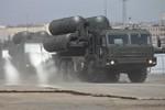Chùm ảnh: Quân đội Nga hối hả tập duyệt diễu binh với vũ khí hạng nặng