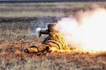 Ảnh: Tập trận bắn đạn thật của thủy quân lục chiến Nga