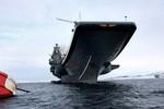 """Tàu sân bay """"Đô đốc Kuznetsov"""" đẩy lùi cuộc tấn công của """"đối phương"""""""