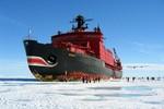 Chùm ảnh khám phá tàu phá băng Yamal của Nga