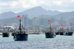 Tàu cá Trung Quốc liên tục ép tàu cá Việt Nam