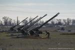 Cận cảnh các cỗ pháo D30, Grad của Nga bố trí tại Armyansk, Crimea