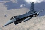 Mỹ tiếp tục đưa thêm máy bay tiêm kích F-16 đến gần Nga