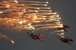 Video: Không quân Nga phô diễn tại vùng đất mới sát nhập