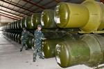 Huấn luyện dây chuyền sản xuất đạn tên lửa C75 ở Cam Ranh