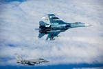 Quân Anh công bố ảnh chặn máy bay chiến đấu Su-27 của Nga