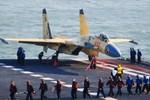 Chuyên gia TQ tự tin: J-15 có thể đánh bại F-35B trong giới hạn