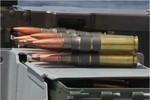 Video: Bảo vệ bờ biển Mỹ thực hành bắn súng máy Browning M2