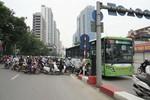Những hình ảnh hỗn loạn trên đường phố Hà Nội
