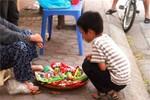 """Kinh hoàng quà vặt trước cổng trường: """"Thịt hổ"""" giá 3000 đồng"""