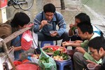 """""""Bún mắng, cháo chửi"""" ở Hà Nội chỉ là một vài trường hợp cá biệt?"""