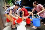 Hà Nội thiếu nước trầm trọng vào mùa hè, dân biết kêu ai?