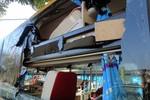 Xử lý nghiêm hành vi ném đất đá vào xe khách