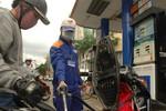 Xử lý nghiêm hành vi gian lận trong kinh doanh xăng dầu