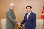 Giáo sư John Graham mong muốn hỗ trợ giáo dục Việt Nam