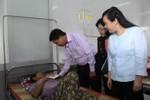 Bộ trưởng Y tế mong muốn tỉnh Long An có thêm nhiều bác sĩ giỏi