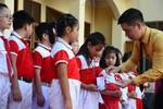 BAC A BANK đồng hành cùng học sinh nghèo