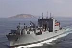 Tàu Hải quân Mỹ sửa chữa ở cảng Cam Ranh
