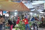 Thực phẩm hút khách tại các chợ và siêu thị trên địa bàn Hà Nội