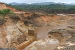 Gia Lai: Vỡ đập thủy điện 2 người bị nước cuốn trôi, thiệt hại lớn