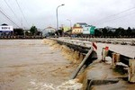Tin lũ khẩn cấp trên các sông từ Thừa Thiên Huế đến Phú Yên
