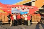 VietJetAir mang 5 tấn hàng cứu trợ đầu tiên tới Philippines