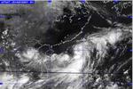 Áp thấp nhiệt đới gây mưa rào và dông mạnh trên biển Đông