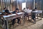 Đến Thượng Trạch, xem phụ huynh và giáo viên rào trường chuẩn bị đón năm học mới