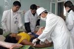 Thủ tướng tặng bằng khen các y, bác sỹ cứu chữa nạn nhân sập cầu treo