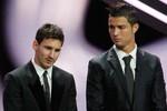 """Ronaldo: """"Tôi và Messi không là bạn của nhau"""""""