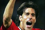M.U dậy sóng sau những tiết lộ sốc của người cũ Van Nistelrooy