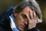 Lý do Mancini bị sa thải: Dao cùn sao gọt nổi chuôi!