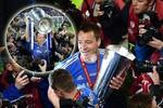 Không thi đấu, Terry vẫn thản nhiên ăn mừng như vừa lập đại công