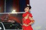 Á Hậu Hương Giang 'đốt cháy' gian hàng Audi với đồ ren