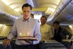 Cuộc sống của Mitt Romney trên máy bay riêng đi vận động tranh cử