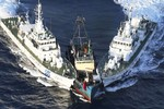 Tàu cá Đài Loan kéo ra Senkaku dựng tượng Ma Tổ