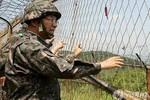 Quân đội Hàn báo động, ném lựu đạn vì tưởng lính Triều Tiên đột nhập