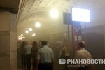 Video: Dòng người lũ lượt thoát khỏi ga tàu điện ngầm cháy tại Moscow