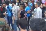 Phiến quân Syria nổ súng giải tán người biểu tình chống vây hãm Aleppo