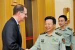 Trung Quốc cảnh báo Mỹ chớ thành bên thứ 3 ở Biển Đông, Hoa Đông