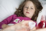 Anh: Phát hiện chất tạo màu cho thuốc khiến trẻ hiếu động thái quá