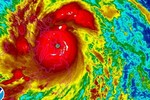 Video: Siêu bão mạnh nhất thế giới Haiyan đổ bộ vào Philippines