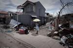 Tuyệt vọng và hỗn loạn gia tăng tại Philippines hậu bão Haiyan