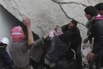 """Quân đội Syria tiếp tục dùng """"bom thùng"""" không kích Aleppo"""